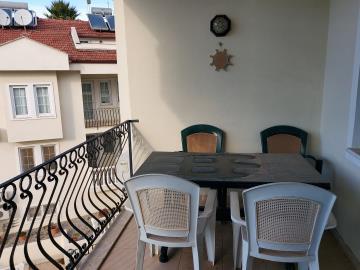 5--lounge-balcony