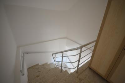 9--marble-stairs_resize