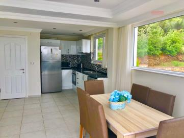 5--dining-area-and-kitchen