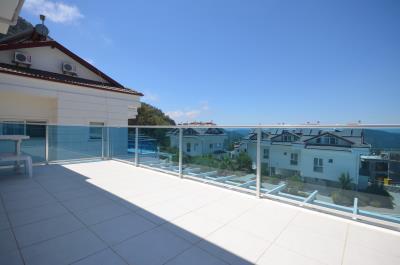 9a--balcony