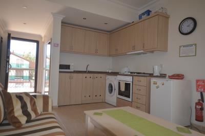8a--kitchen-lounge