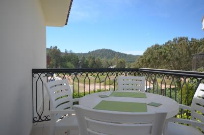 9--dining-balcony