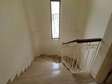 11--marble-stairs