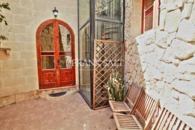 1 - Ghaxaq, Country House