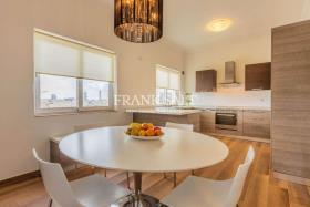 Image No.12-Penthouse de 3 chambres à vendre à Sliema
