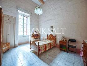 Image No.8-Maison de village de 3 chambres à vendre à Birkirkara