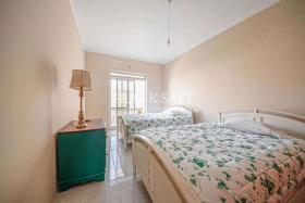 Image No.3-Appartement de 2 chambres à vendre à Ghajnsielem