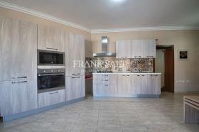 Image No.2-Appartement de 1 chambre à vendre à Birkirkara