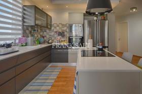 Image No.1-Appartement de 2 chambres à vendre à Marsaxlokk