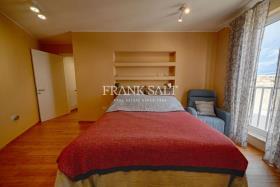 Image No.3-Appartement de 2 chambres à vendre à Marsaxlokk