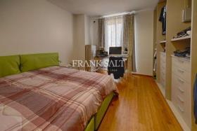 Image No.6-Appartement de 2 chambres à vendre à Marsaxlokk