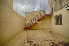 Image No.6-Maison de ville de 3 chambres à vendre à Zejtun