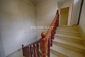 Image No.8-Maison de ville de 3 chambres à vendre à Zejtun
