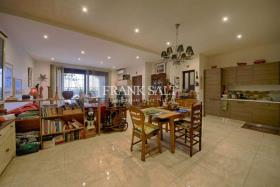 Image No.5-Appartement de 3 chambres à vendre à Qala