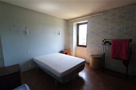 Image No.5-6 Bed House for sale