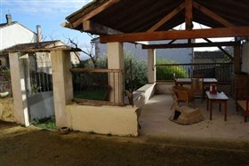 Image No.1-7 Bed House for sale