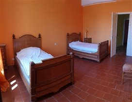 Image No.11-8 Bed House for sale