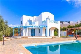 Image No.0-Villa de 4 chambres à vendre à Ayia Marina