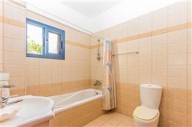 Image No.11-Villa de 4 chambres à vendre à Ayia Marina