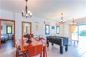 Image No.5-Villa de 4 chambres à vendre à Ayia Marina