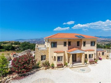 3637-detached-villa-for-sale-in-stroumbifull