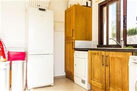 Image No.11-Villa de 5 chambres à vendre à Stroumpi