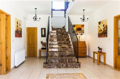 3646-detached-villa-for-sale-in-stroumbifull