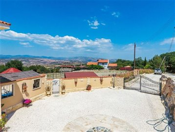 3636-detached-villa-for-sale-in-stroumbifull