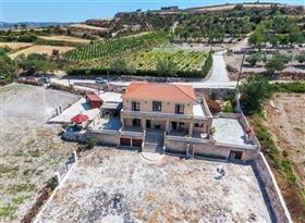 Image No.15-Villa de 5 chambres à vendre à Stroumpi
