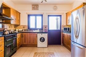 Image No.2-Villa de 5 chambres à vendre à Stroumpi