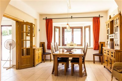 3635-detached-villa-for-sale-in-stroumbifull