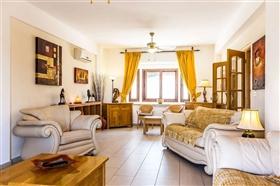 Image No.4-Villa de 5 chambres à vendre à Stroumpi