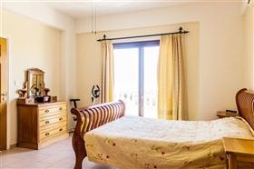 Image No.6-Villa de 5 chambres à vendre à Stroumpi