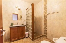 Image No.10-Villa de 4 chambres à vendre à Polis
