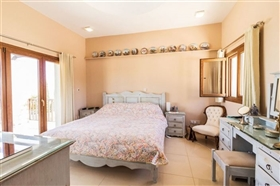 Image No.11-Villa de 4 chambres à vendre à Polis