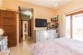 Image No.12-Villa de 4 chambres à vendre à Polis
