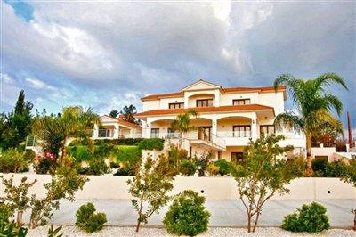 Detached Villa For Sale  in  Akoudalia