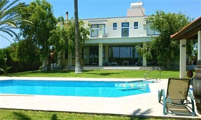 Detached Villa For Sale  in  Akourdalia