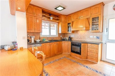 13599-detached-villa-for-sale-in-argakafull
