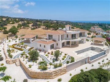 14058-detached-villa-for-sale-in-sea-cavesful
