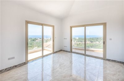 14051-detached-villa-for-sale-in-sea-cavesful