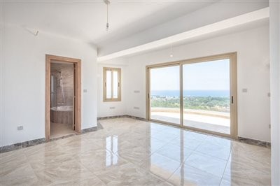 14052-detached-villa-for-sale-in-sea-cavesful