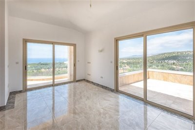14057-detached-villa-for-sale-in-sea-cavesful