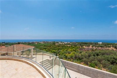 14055-detached-villa-for-sale-in-sea-cavesful