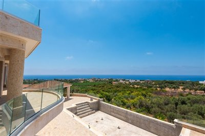 14056-detached-villa-for-sale-in-sea-cavesful