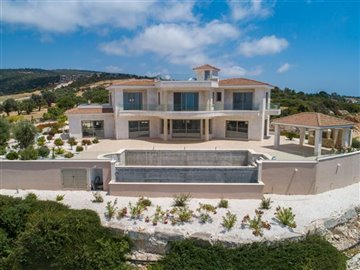 14060-detached-villa-for-sale-in-sea-cavesful