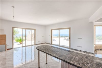 14041-detached-villa-for-sale-in-sea-cavesful