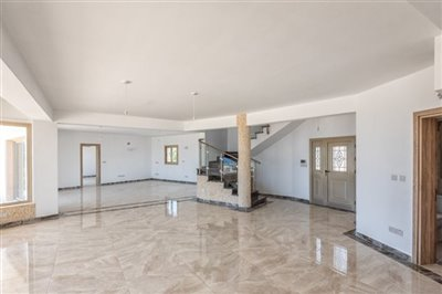 14042-detached-villa-for-sale-in-sea-cavesful