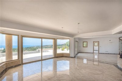 14044-detached-villa-for-sale-in-sea-cavesful