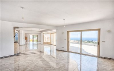 14045-detached-villa-for-sale-in-sea-cavesful